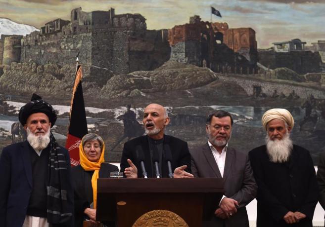El presidente de Afganistán, Ashraf Ghani, habla sobre el informe de...