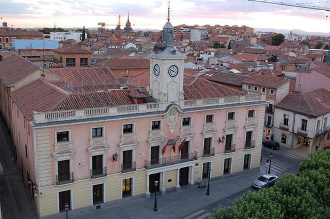 Vista panorámica del Ayuntamiento de Alcalá de Henares. E. M.