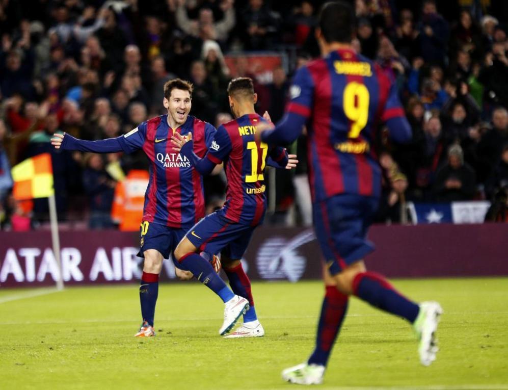 Messi, Neymar y Suárez celebran un tanto culé.