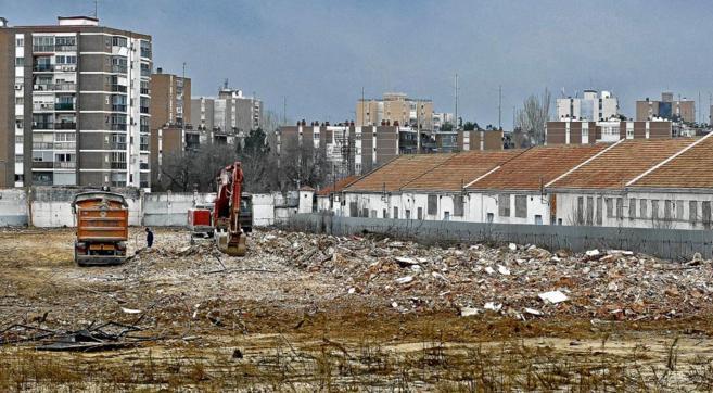Demolición de los antiguos cuarteles militares de Campamento en el...