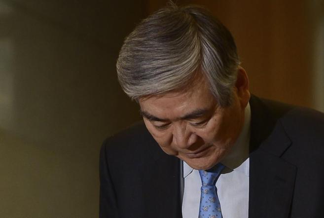 Cho Yang-ho, presidente de Korean Air, en su comparecencia para...