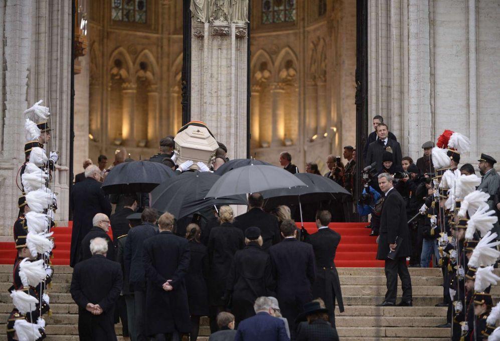 Llegada del cortejo fúnebre a la catedral.