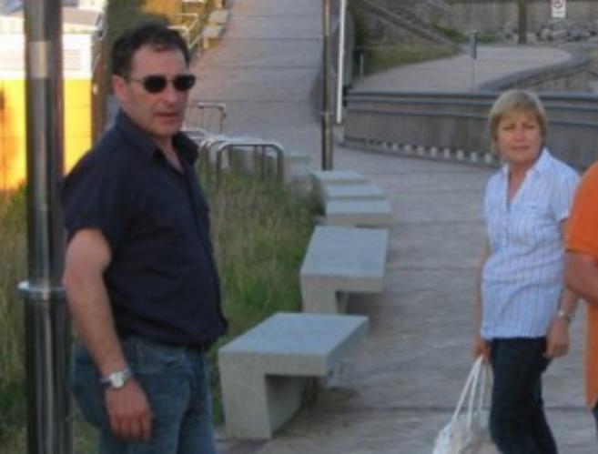 Benito Quintairos, junto a su esposa Mari Luz Alejo, en una imagen de...