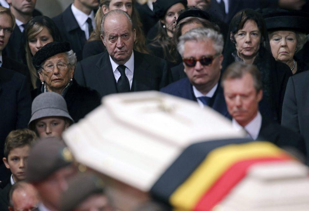 El rey Juan Carlos de España, Lorenzo de Bélgica, el Gran Duque...