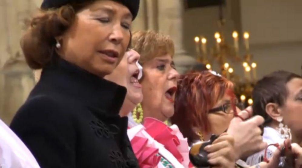 Una sobrina de Fabiola se ha sumado al coro.