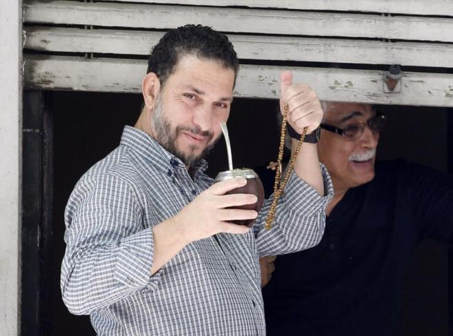 El ex preso de Guantánamo Adel bin Muhammad El Ouerghi, fotografiado...