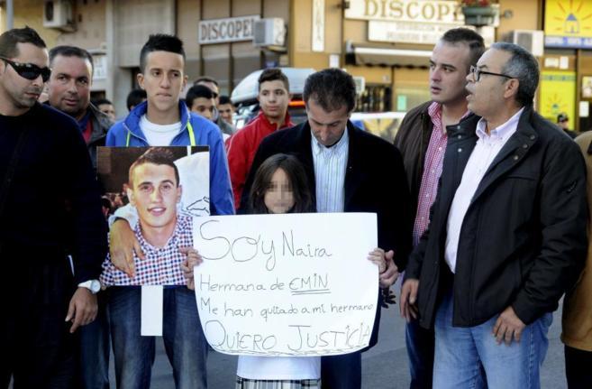 Familiares de Emin y Pisly reclaman que se aclaren sus muertes, en una...