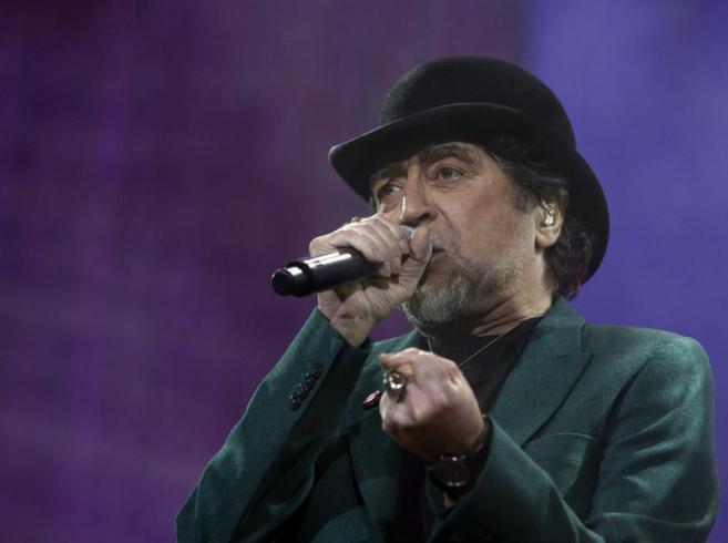 Joaquín Sabina durante su concierto en el Palacio de Deportes de...