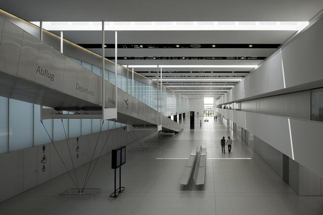 Vista de uno de los pasillos de la terminal de salidas del aeropuerto...