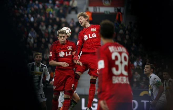 Los jugadores del Bayer Leverkusen, durante su último partido.