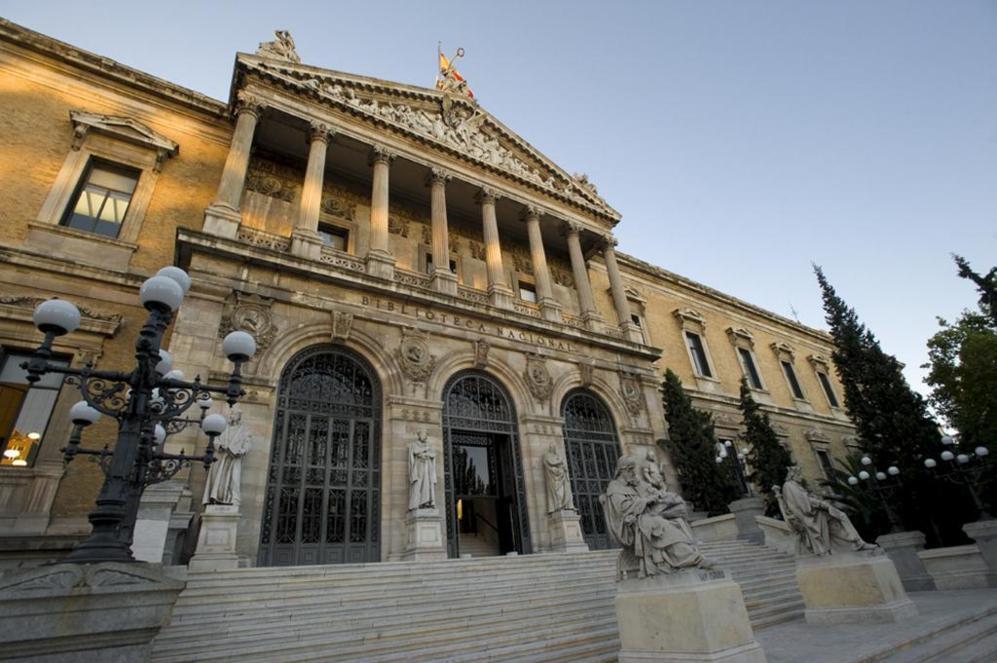 Fachada de la Biblioteca Nacional, en Madrid.