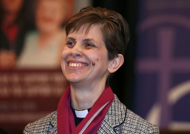 La reverenda británica Libby Lane y primera obispo de Reino Unido.