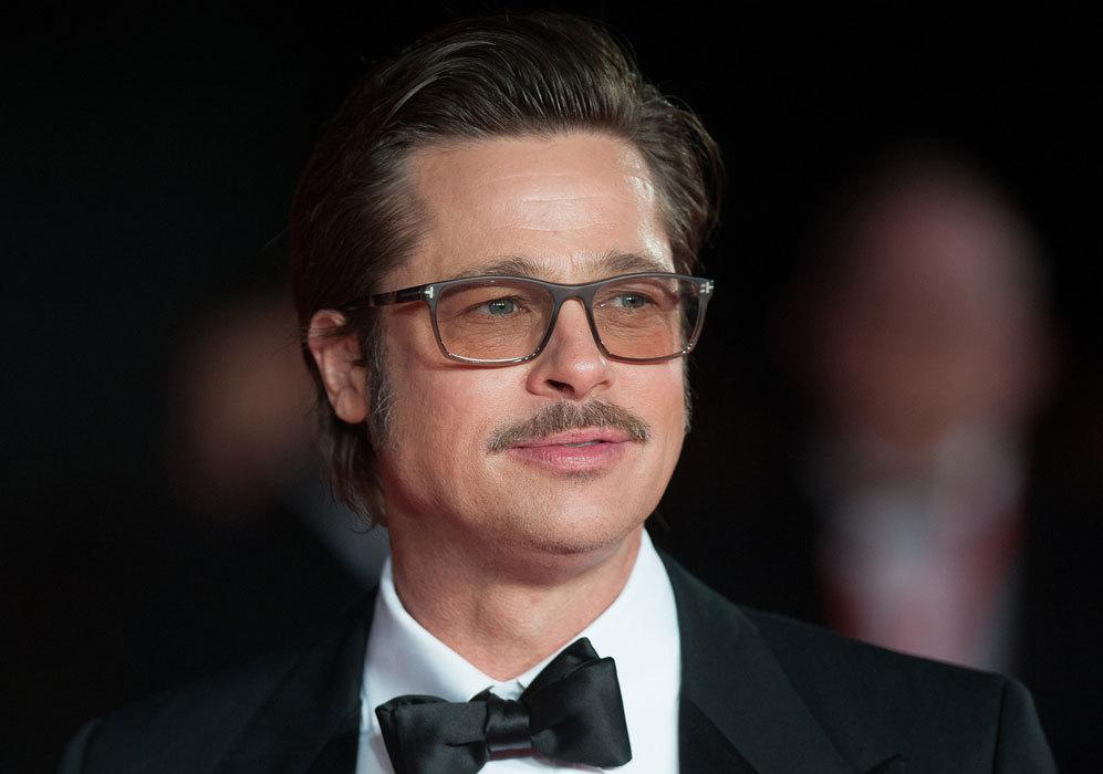 Uno de los actores estadounidenses más guapos del mundo, Brad Pitt, celebra hoy su 51 cumpleaños. Pitt ha sido el encargado de promocionar la película dirigida por Angelina Jolie, 'Unbroken', ya que la actriz se encuentra enferma después de contrajera varicela.