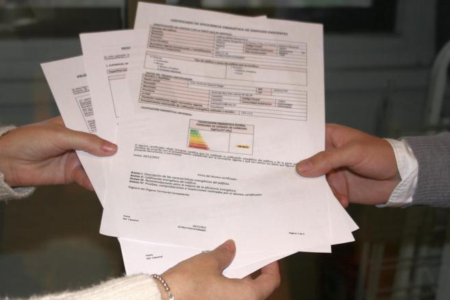 Imagen de un documento que desarrolla el certificado de eficiencia...