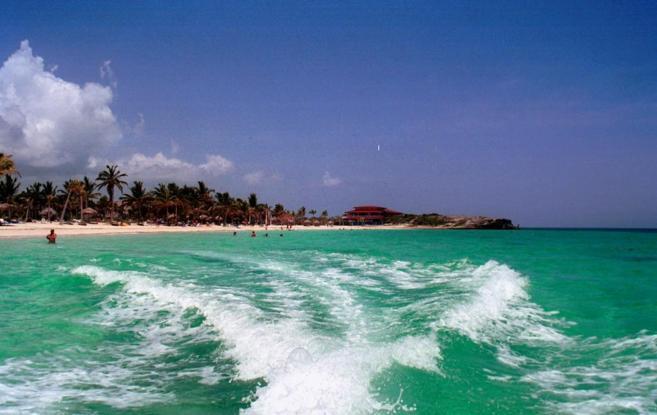Panoramica de la playa de Cayo Coco en Cuba.