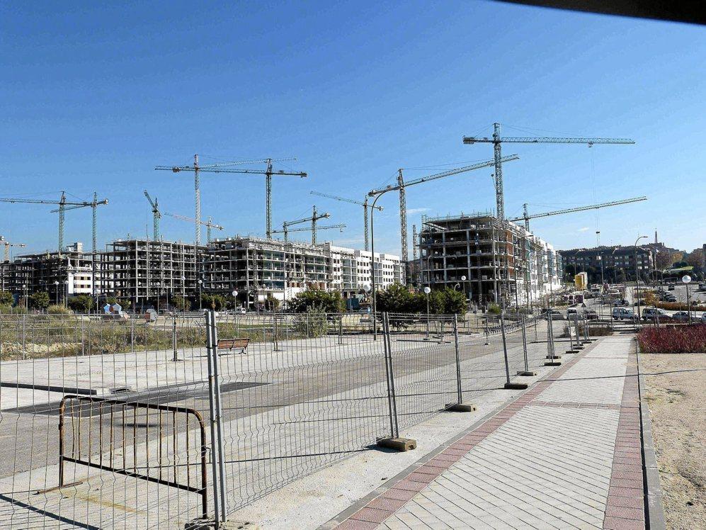 Obras de construcción de viviendas en el nuevo barrio de Arroyo del...