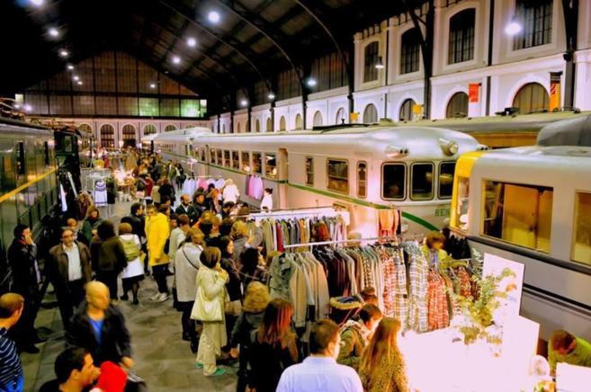 El Mercado de Motores celebrándose en el Museo del Ferrocarril.