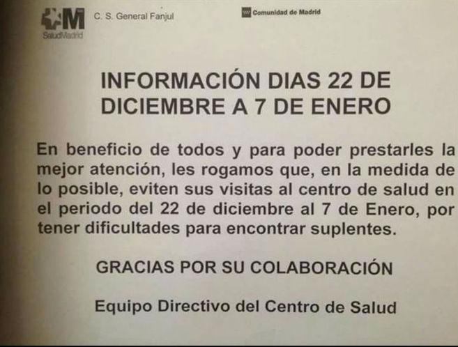 Cartel colocado en el centro de salud General Fanjul, en Aluche...