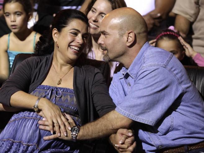 Gerardo Hernández vuelve al lado de su mujer, Adriana Pérez,...