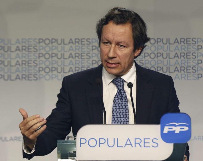 El vicesecretario de Organización del PP, Carlos Floriano, durante...