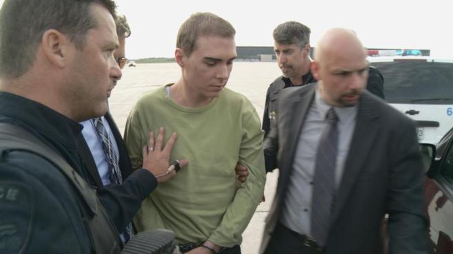 Luka Magnotta a su llegada a Canadá tras su detención.