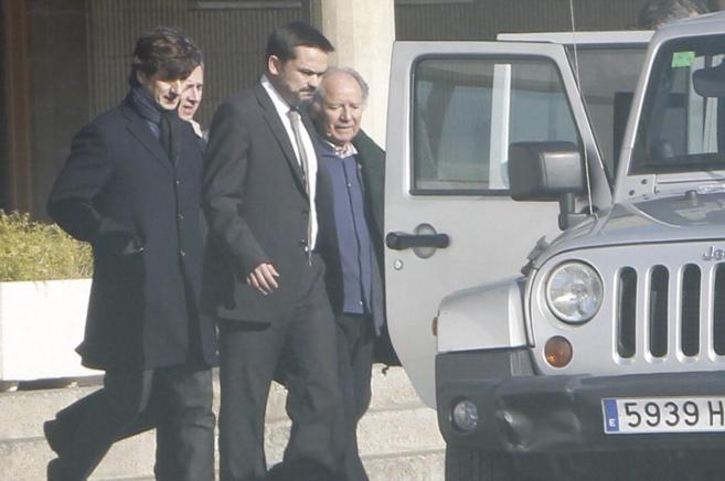 Nuñez y su hijo abandonan la prisión de Quatre Camins.