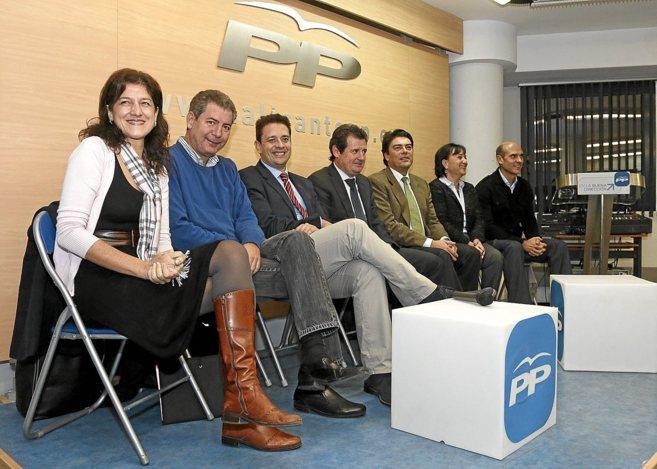 José Císcar y su número dos, JJ. Zaplana, con los cinco presidentes...