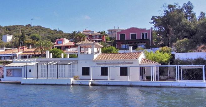 Casetas de La Solana en el puerto de Mahón, donde se ubica la casa de...