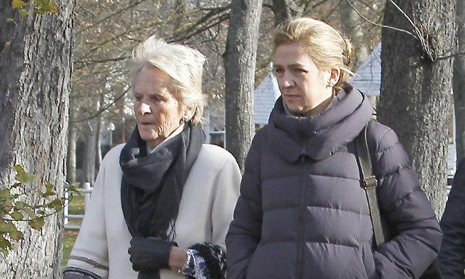 La Infanta Cristina y su suegra, por las calles de Vitoria en las...