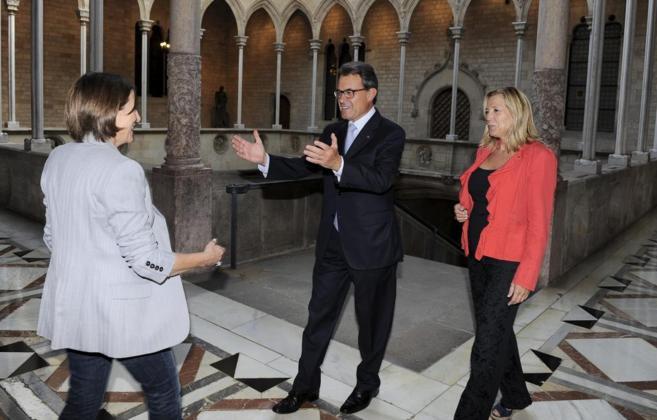 Encuentro del Presidente de la Generalitat Artur Mas y la...