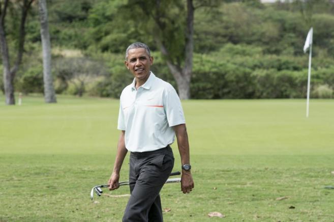 Barack Obama, jugando al golf en Hawai, donde anuncio el fin de la...