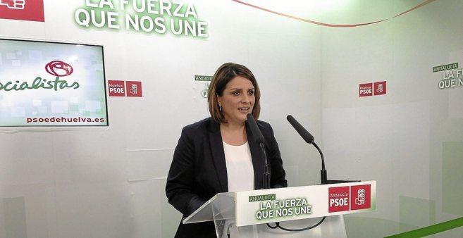 La candidata a la Alcaldía y líder del PSOE de Almonte, Rocío...