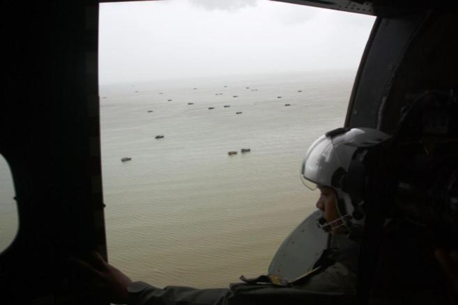 Operación de rastreo para divisar los restos del avión siniestrado.