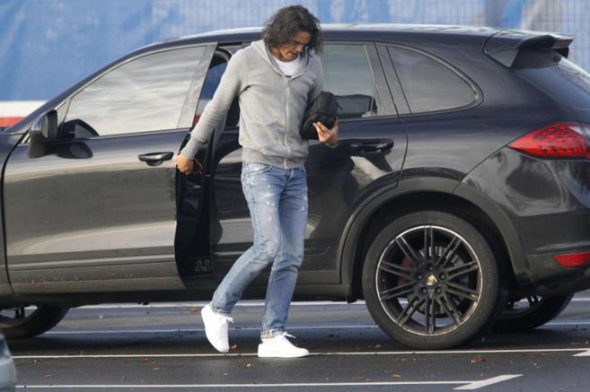 Cavani, a su llegada a las instalaciones del PSG.
