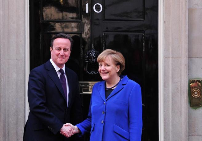 Angela Merkel y David Cameron, durante su encuentro el pasado febrero...