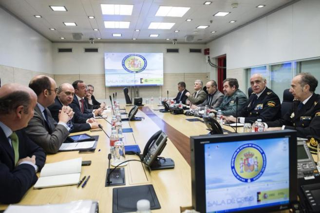 Reunión del ministro del Interior, Jorge Fernández Díaz, con los...