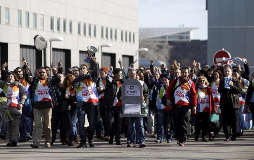 Los trabajadores de Telemadrid, el 12 de enero de 2013, cuando se les...