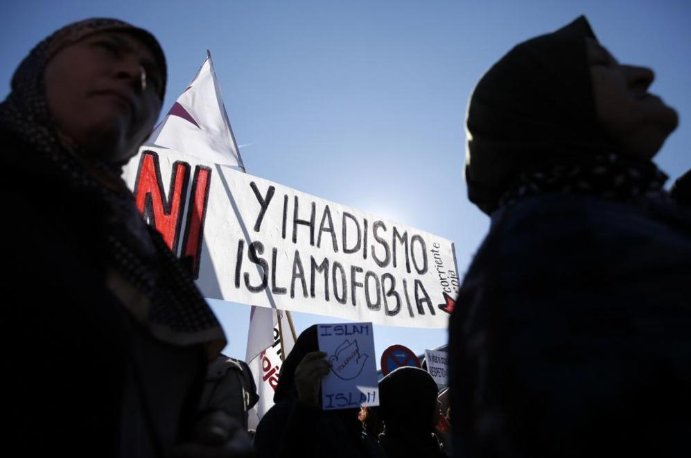 Manifestación de musulmanes contra el terrorismo en Madrid.