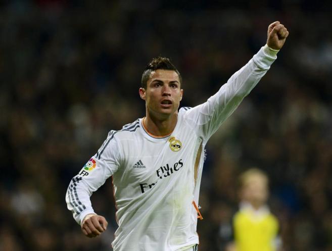 Cristiano Ronaldo celebra uno de los tantos de la victoria del Real...