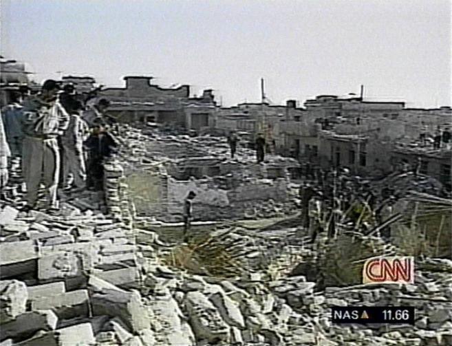Imágenes tomadas y emitidas por la cadena CNN tras un bombardeo de...