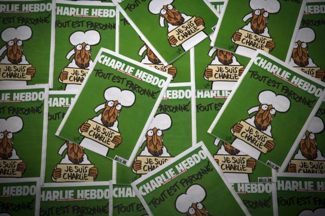 Numerosas portadas del nuevo número de Charlie Hebdo que sale hoy a...