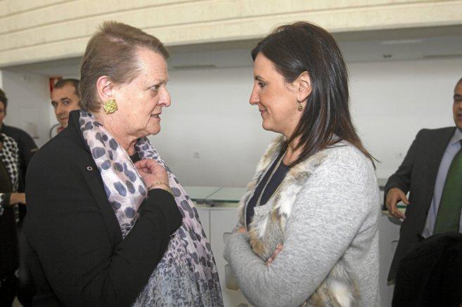 La intendente del Palau de les Arts, Helga Schmidt, junto a la...