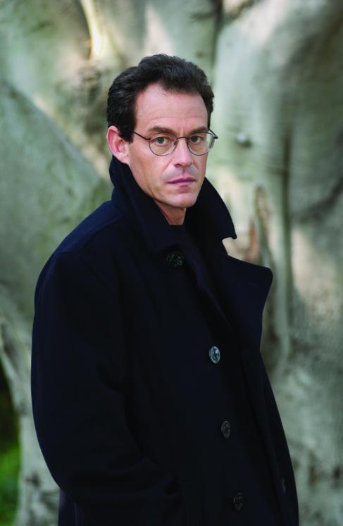 El escritor Daniel Silva.