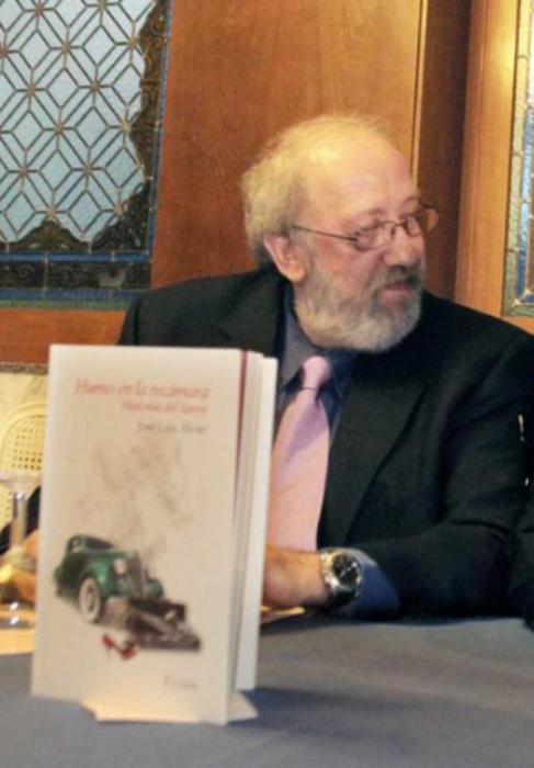 Presentación de un libro de José Luis Alvite en el año 2011.