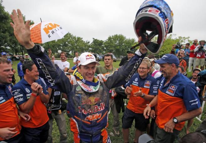 Marc Coma celebra su quinto título en el Dakar.
