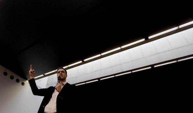 Pedro Sánchez, en su intervención en la asamblea abierta celebrada...