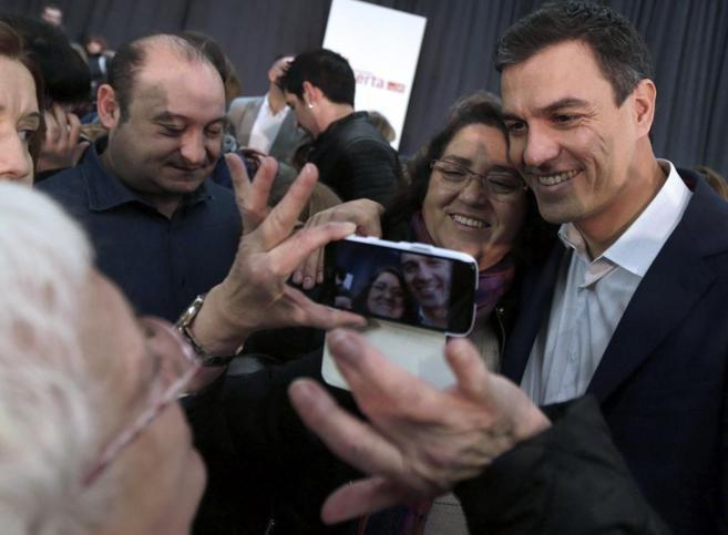 El líder del PSOE, Pedro Sánchez, durante su visita a Cataluña.