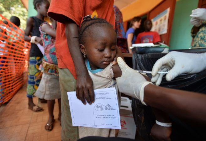 Campaña en Guinea para inmunizar a 400.000 niños frente al virus del...