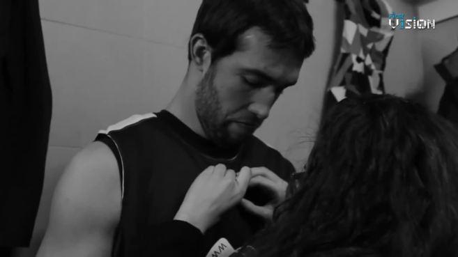 El baloncestista Nacho Llovet, momentos antes de probar la cámara...