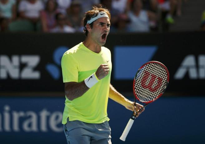 Roger Federer celebra su victoria sobre Bolelli.